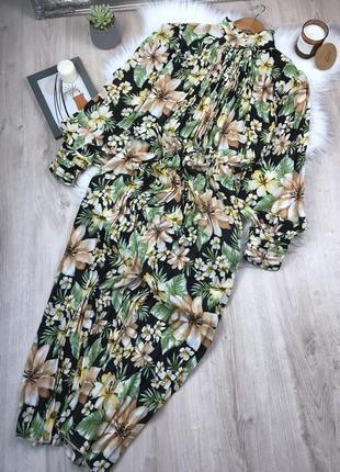 Плісерована сукня максі в квітковий принт
