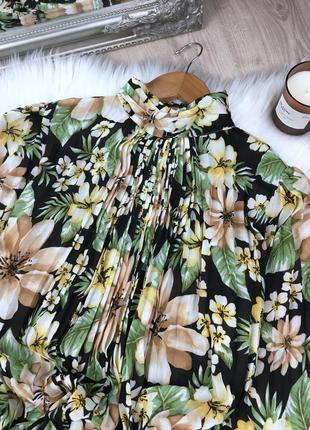 Плісерована сукня максі в квітковий принт3 фото