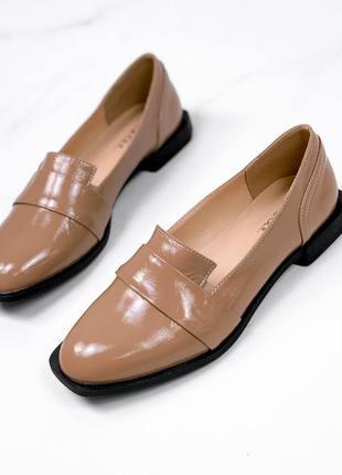 Туфли карамель лаковые