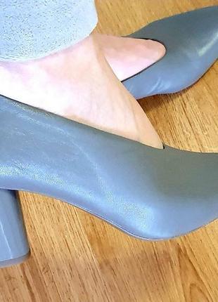 Кожаные туфли m&s новые 6,5 р