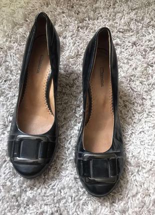 Стильные туфли маленький каблук скидки недорого модные