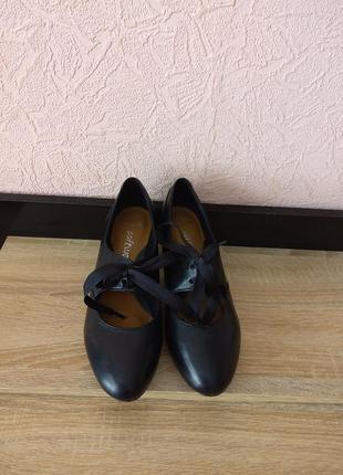 Туфли clarks -натуральная кожа2 фото