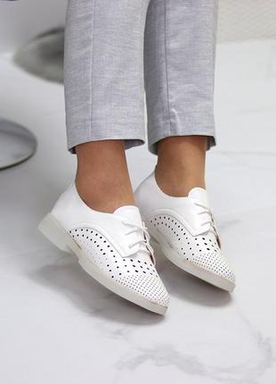 Женские кожаные белые  туфли лоферы с перфорацией4 фото