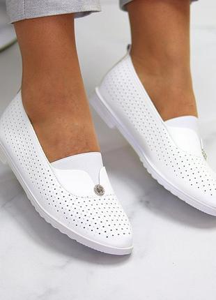 Женские кожаные белые туфли лоферы балетки с перфорацией2 фото