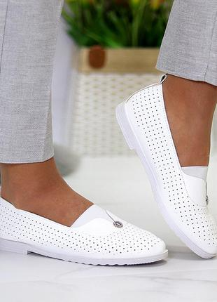 Женские кожаные белые туфли лоферы балетки с перфорацией4 фото