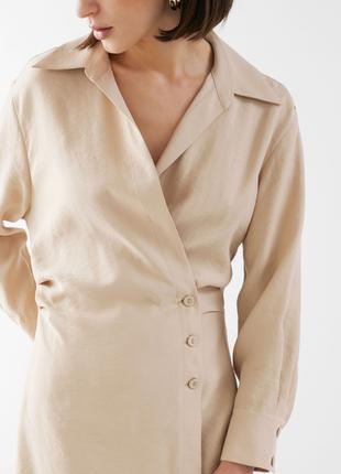 Вечернее коктейльное короткое мини бежевое платье рубашка ассиметричное с длинным рукавом6 фото