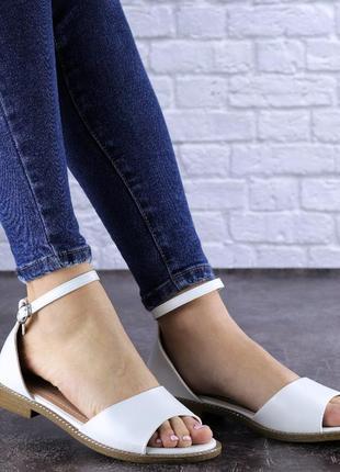 🤍лёгкие базовые белые кожаные босоножки, низкий ход🤍4 фото