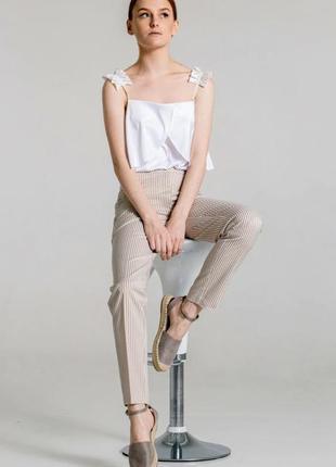 Бежевые штаны слоучи в белую полоску брюки в полосочку джогеры джоггеры карго лён лен