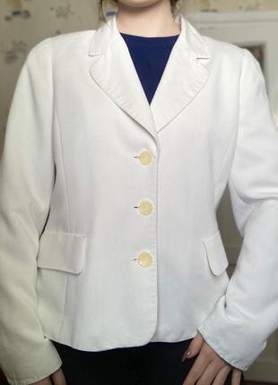 Пиджак белого цвета paul laporte