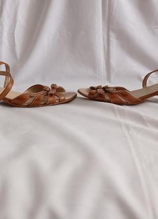 Туфли для бальных танцев для девочек коричневые кожаные2 фото