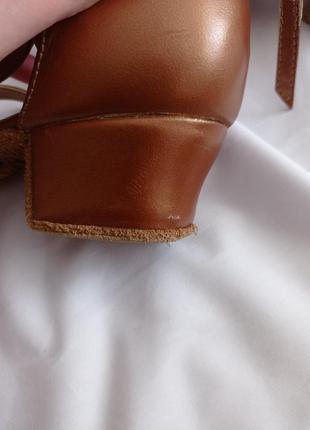 Туфли для бальных танцев для девочек коричневые кожаные8 фото