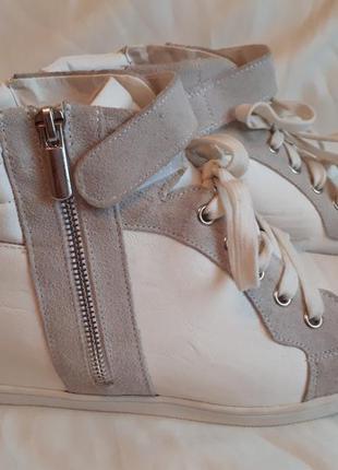 Кожаные белые ботинки/ белые сникерсы