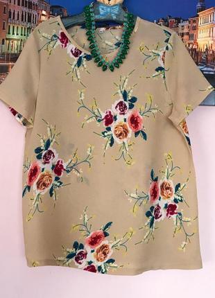 Стильная блуза в цветы