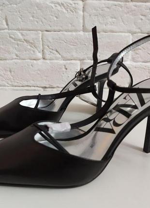 Кожаные туфли на каблуке zara8 фото