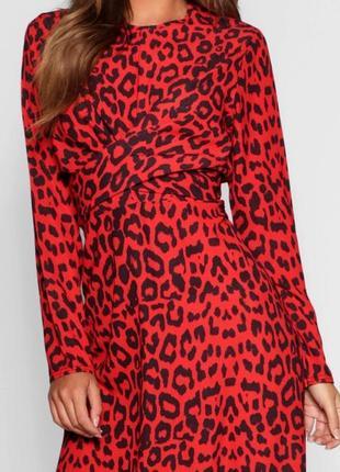 Красиве яркое красное платье в лепардовый принт😽9 фото