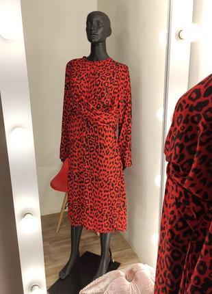 Красиве яркое красное платье в лепардовый принт😽3 фото