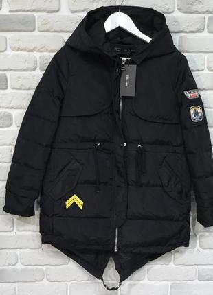 Куртка модная парка нашивки