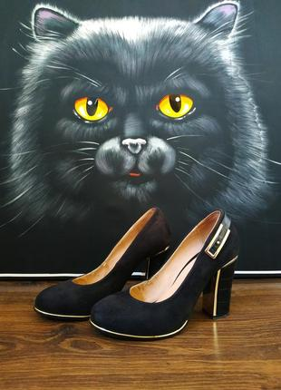 Туфли замшевые с кожаным каблуком турция черные 35 размер