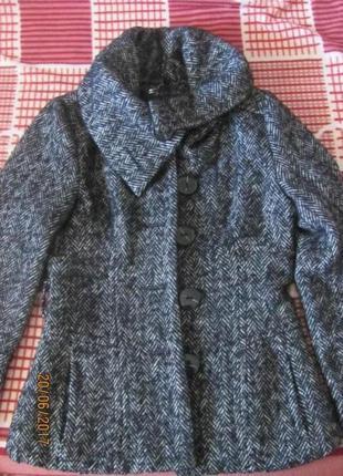 Пальто, полупальто, пиджак, жакет reserved.