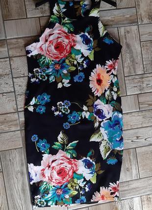 Красивое платье в цветочный принт4 фото