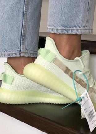 Крутые женские кроссовки изи2 фото
