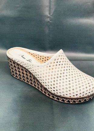 Женская обувь ( шлёпанцы/босоножки )