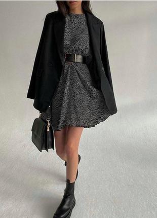 Платье с поясом юбка