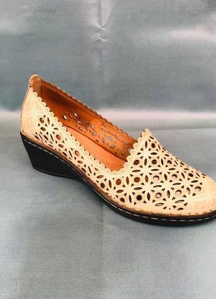 Женская обувь ( боссоніжки , туфлі )