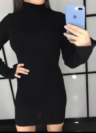 Чёрное платье в рубчик4 фото