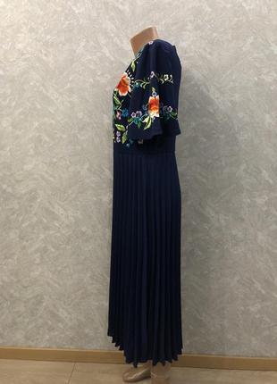Платье миди с вышивкой и плиссированной юбкой размер 12-143 фото