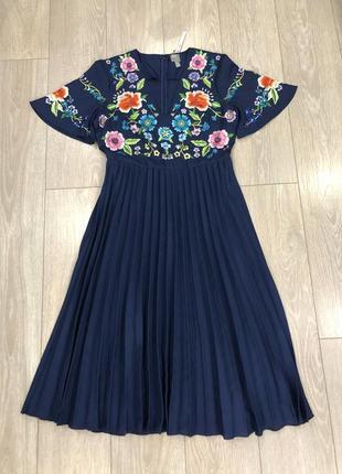 Платье миди с вышивкой и плиссированной юбкой размер 12-145 фото