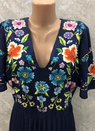 Платье миди с вышивкой и плиссированной юбкой размер 12-146 фото