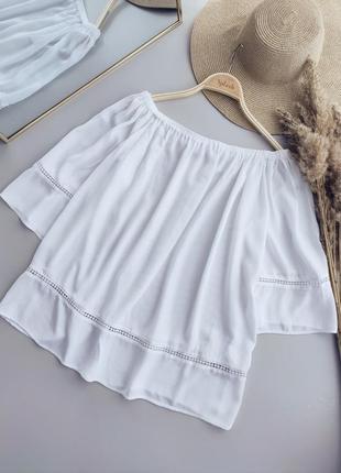 Льнянна блузка з відкритими плечима