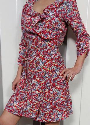 Красное платье в цветы цветочный принт на запах платье халат ретро винтаж