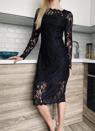 Шикарное черное вечернее кружевное платье миди по фигуре