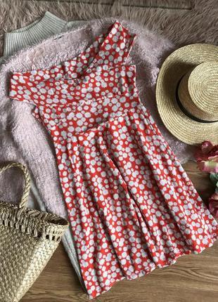 Платье в цветочный принт (s)