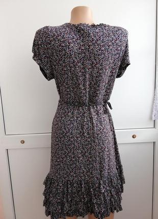 Платье чёрное цветочный принт короткое3 фото