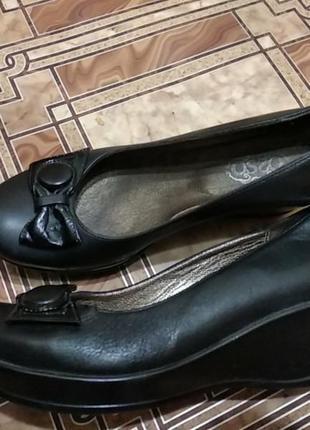 Женские туфли ,размер 40,черные