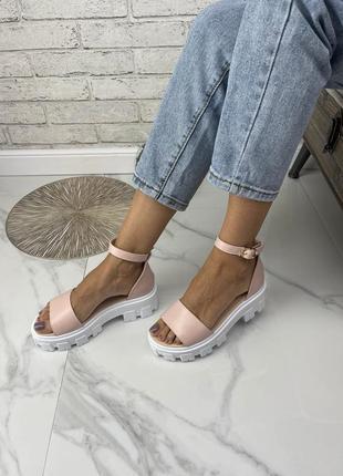 Нежные босоножки на массивной подошве сандалии шлёпки натуральная кожа замша