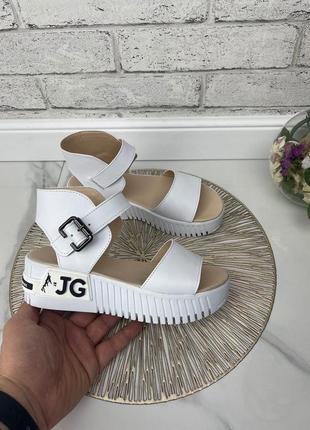 Стильные босоножки на танкетке на подошве сандалии натуральная кожа