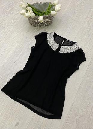 Блуза чёрная с воротником из бусин и бисера