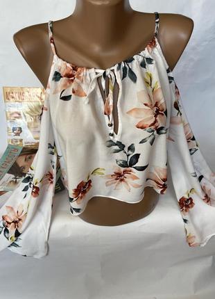 Нежная блуза топ
