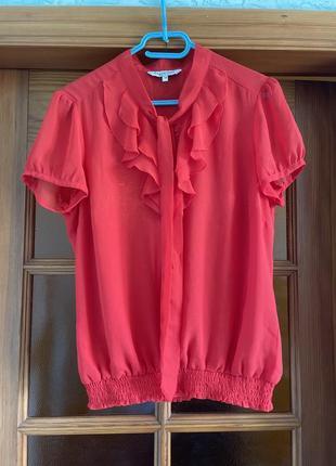 Блуза трендового цвета