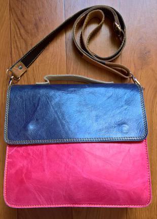 Стильный кожаный портфель.
