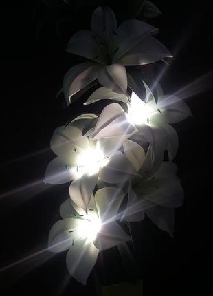 Светильник торшер.ростовые цветы