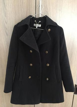 Черное кашемировое пальто в стиле милитари shotelli