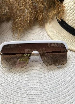 Очки квадраты  коричневые  белые.солнцезащитные