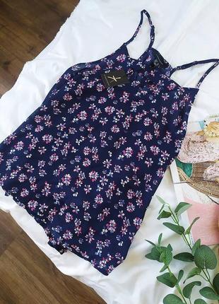 Фірмова шифонова блузка на бретелях в квітковий принт