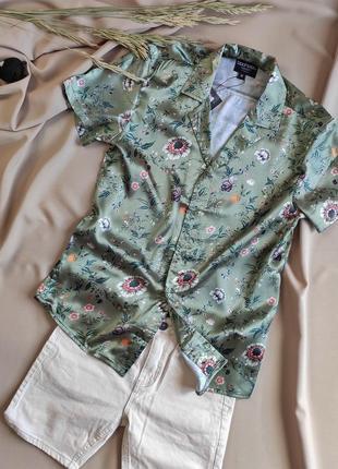 Атласна чоловіча сорочка хакі з квітами boohooman