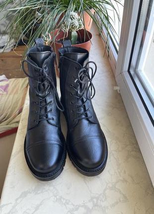 Кожаные ботинки mustang 25см стелька